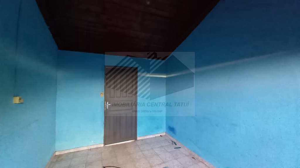 Casa em Tatuí, no bairro Vila Santa Luzia