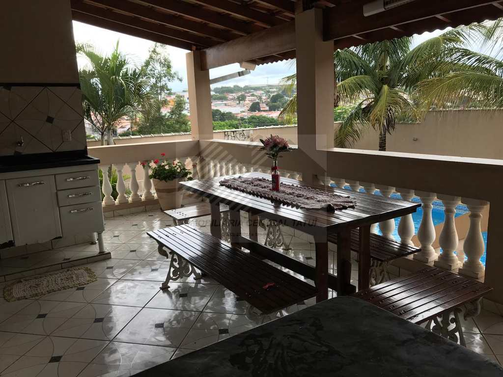 Casa em Tatuí, no bairro Colina Verde