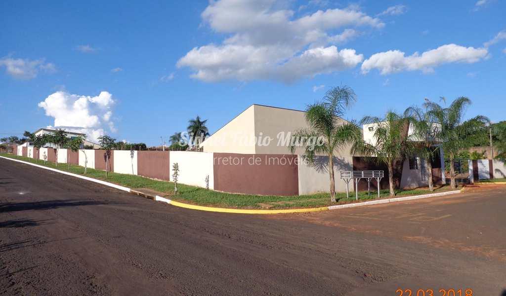 Casa em Piacatu, bairro Centro