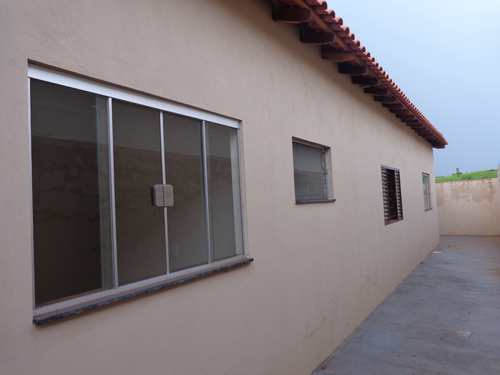 Casa, código 6 em Piacatu, bairro Centro