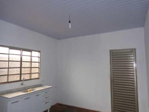 Casa, código 8 em Piacatu, bairro Centro