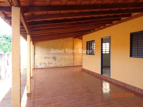 Casa, código 98 em Piacatu, bairro Centro