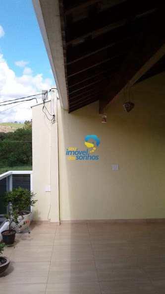 Casa em Amparo, no bairro Jardim Silvestre II