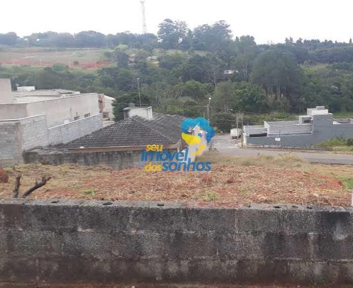 Terreno em Bragança Paulista, no bairro Residencial dos Lagos