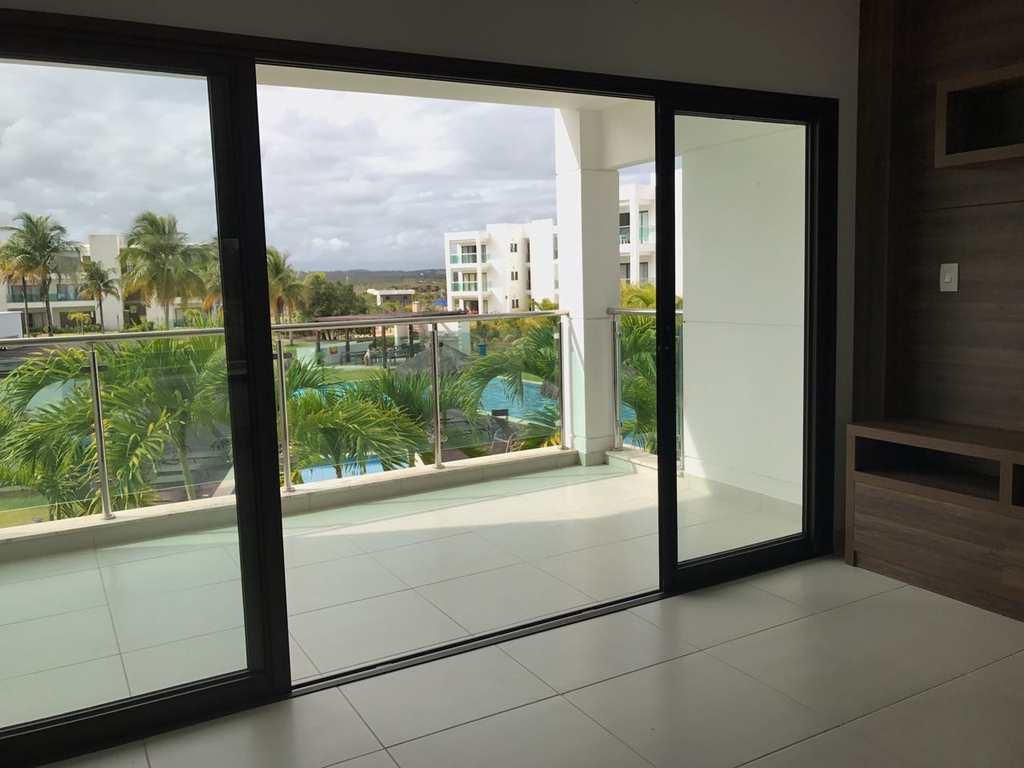 Apartamento em Mata de São João, bairro Praia do Forte