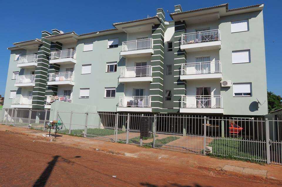 Apartamento em Três de Maio, bairro Bairro Pio XII