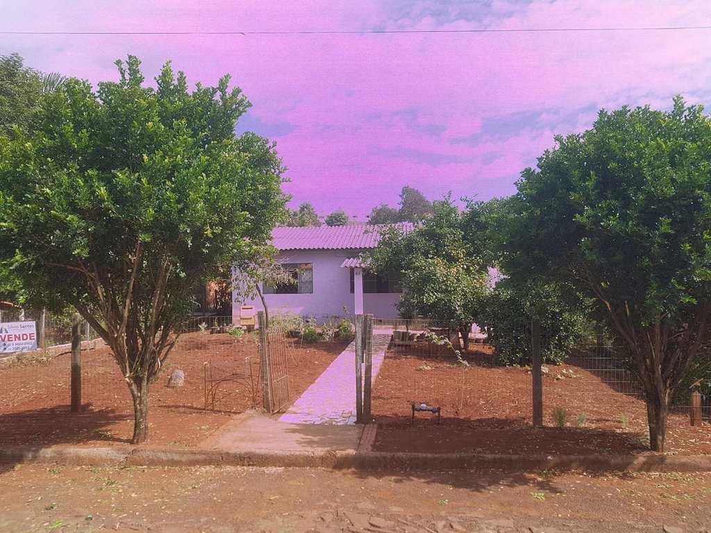 Casa em Três de Maio, bairro Bairro Oriental