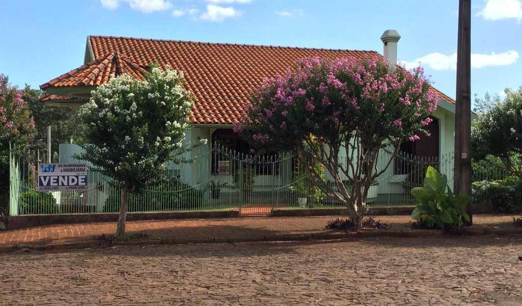 Casa em Três de Maio, bairro Centro