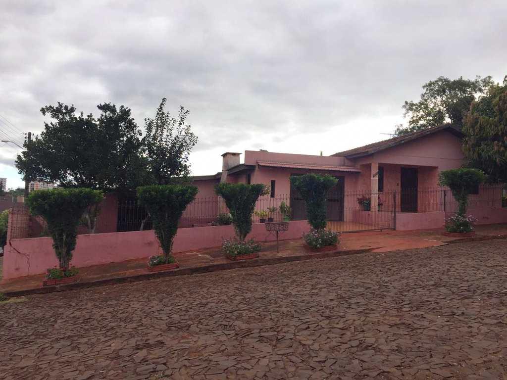 Casa em Três de Maio, no bairro Bairro Primavera