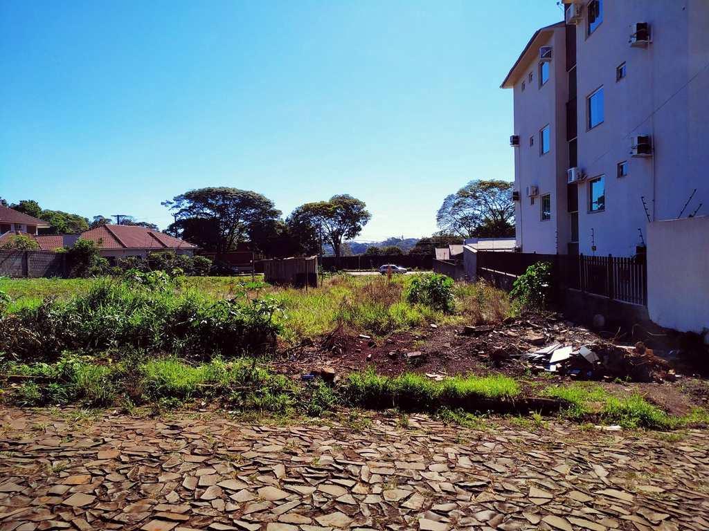 Terreno em Três de Maio, no bairro Bairro Pio XII