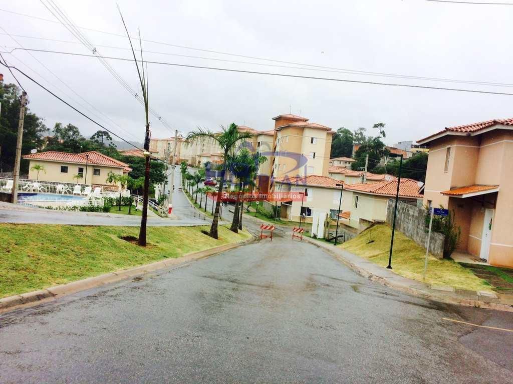 Casa de Condomínio em Cotia, bairro Jardim Petrópolis