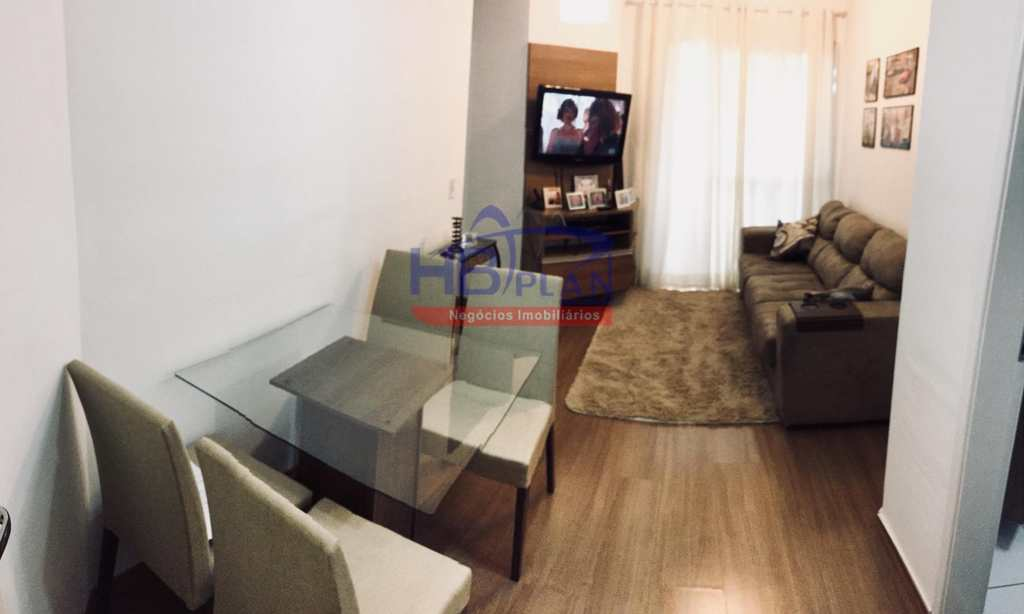 Apartamento em Jandira, bairro Centro