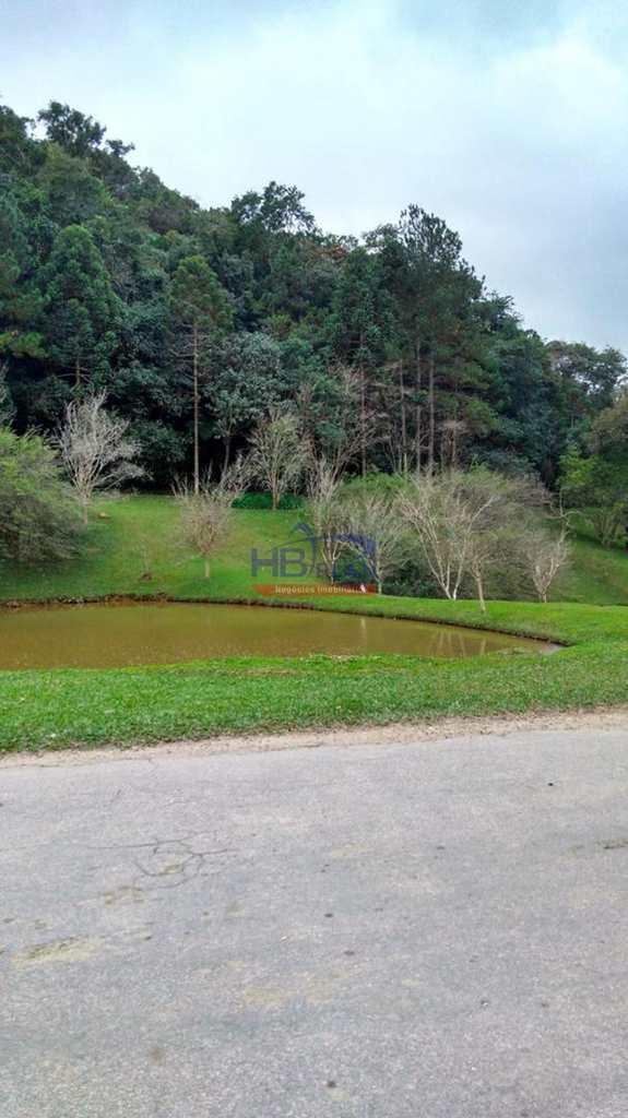 Terreno em Cajamar, no bairro Serra dos Lagos (Jordanésia)