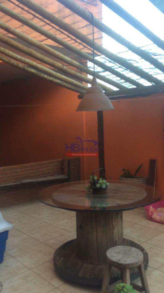 Sobrado em Santana de Parnaíba, no bairro Recanto Silvestre (Fazendinha)