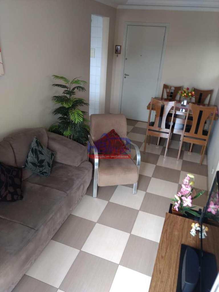 Apartamento em Carapicuíba, no bairro Parque Roseira