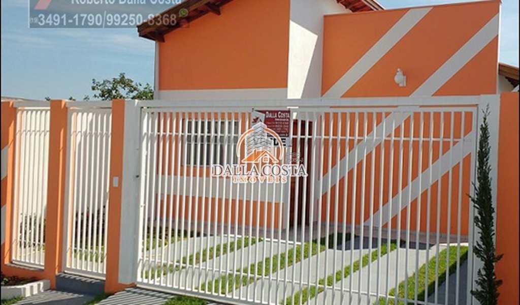 Casa em Capivari, bairro Jd. São Pedro