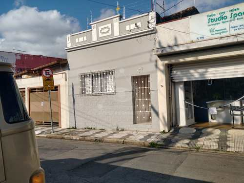 Casa, código 198 em Mogi das Cruzes, bairro Centro