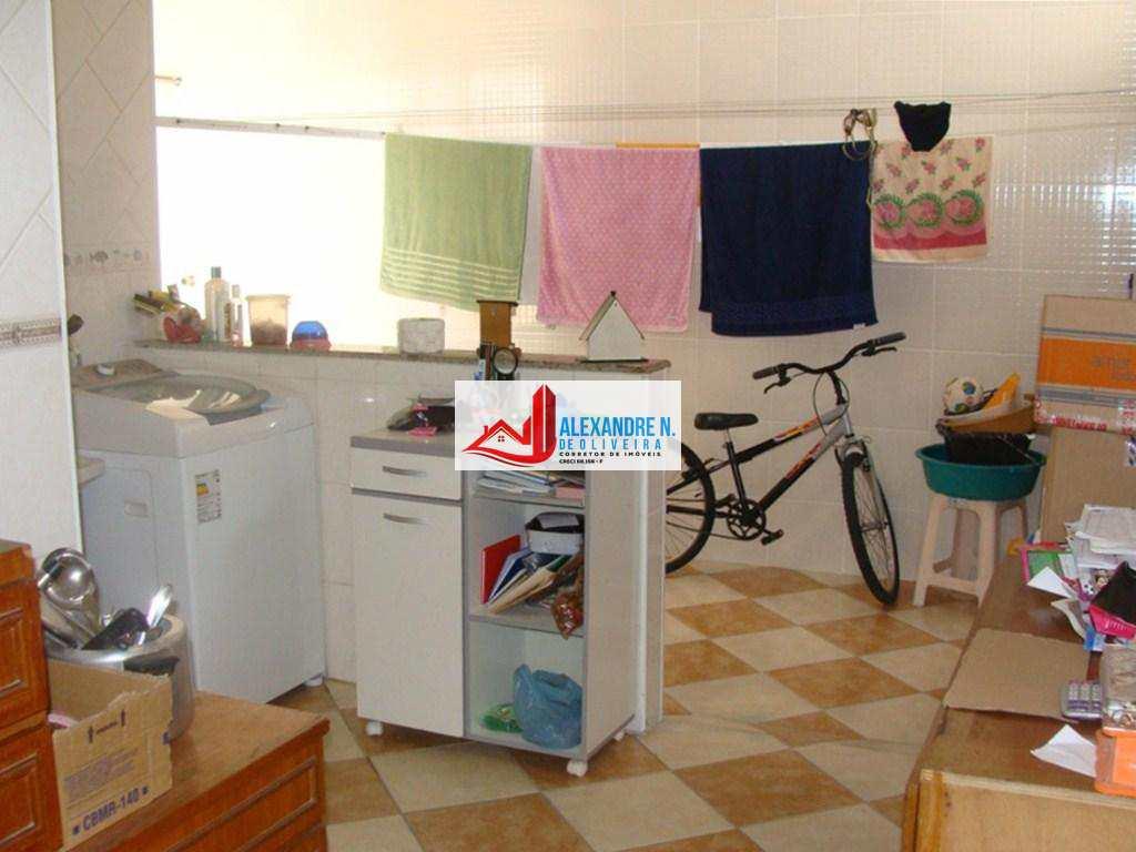 Sobrado em Praia Grande, no bairro Ocian