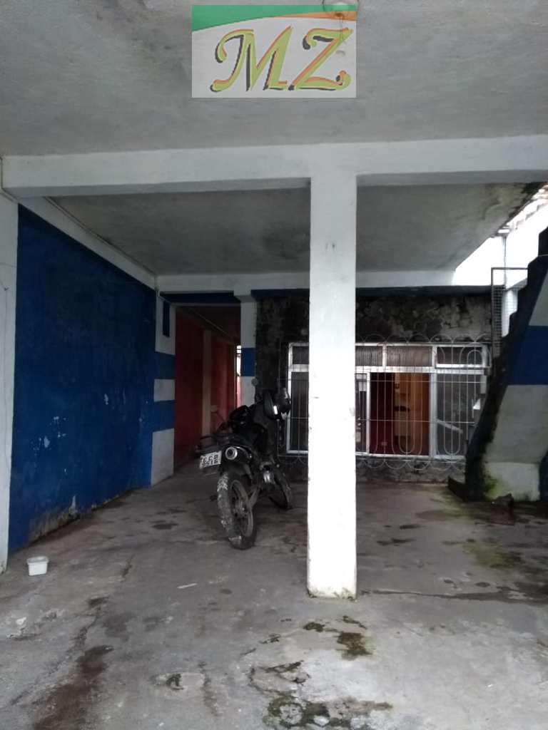 Casa em São Vicente, no bairro Jardim Guassu