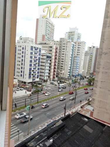 Apartamento, código 1619 em Santos, bairro José Menino