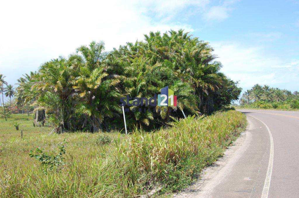 Terreno em Ilhéus, no bairro Olivença