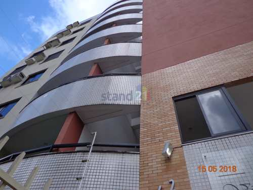 Apartamento, código 451 em Itabuna, bairro Jardim Vitória
