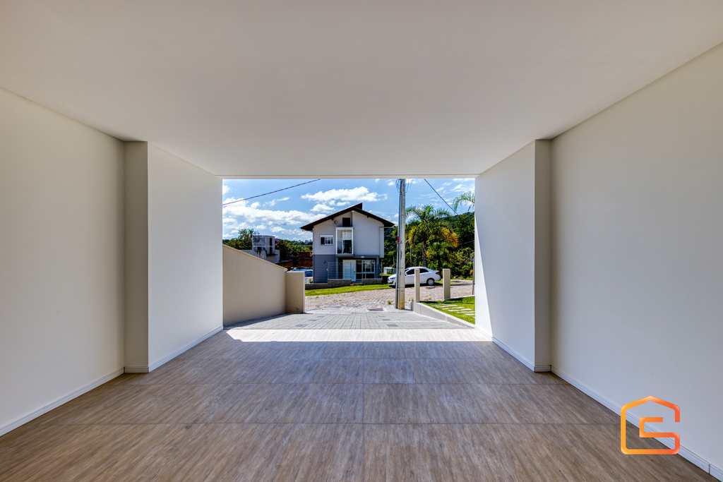Casa em Blumenau, no bairro Ponta Aguda