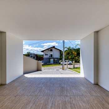 Casa em Blumenau, bairro Ponta Aguda