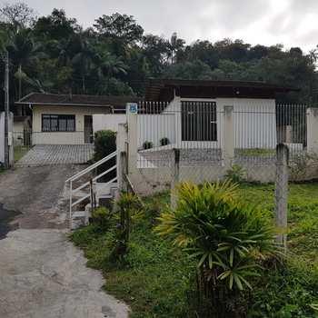 Casa em Blumenau, bairro Garcia