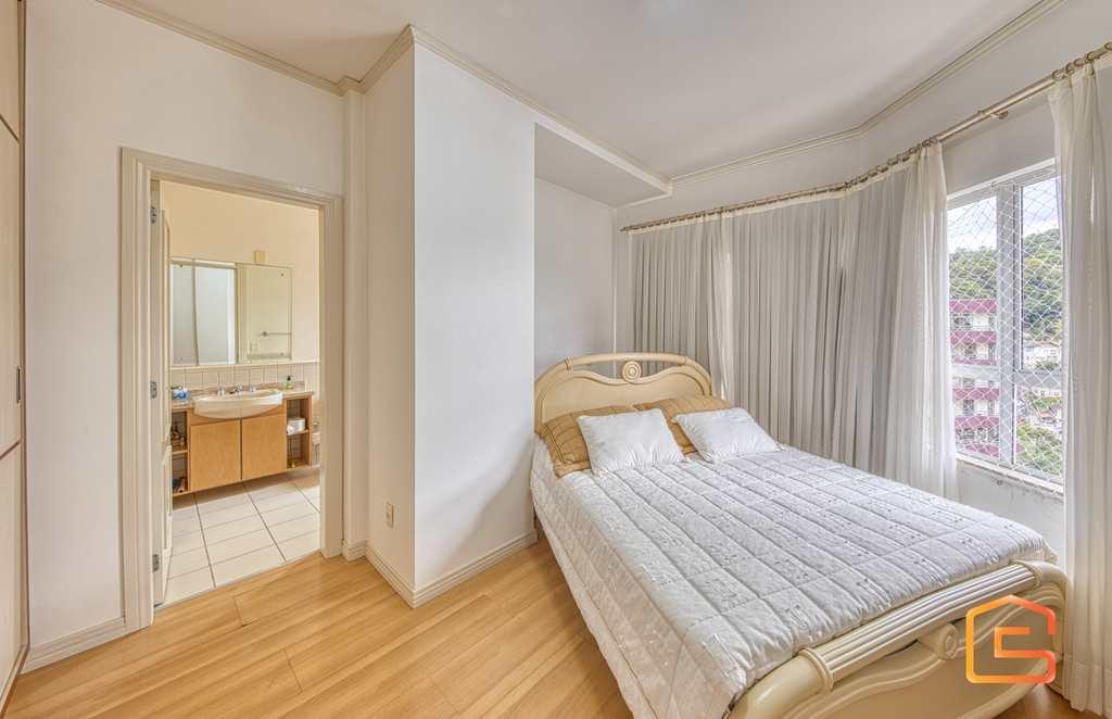 Apartamento em Blumenau, no bairro Ponta Aguda