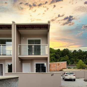 Casa de Condomínio em Blumenau, bairro Escola Agrícola