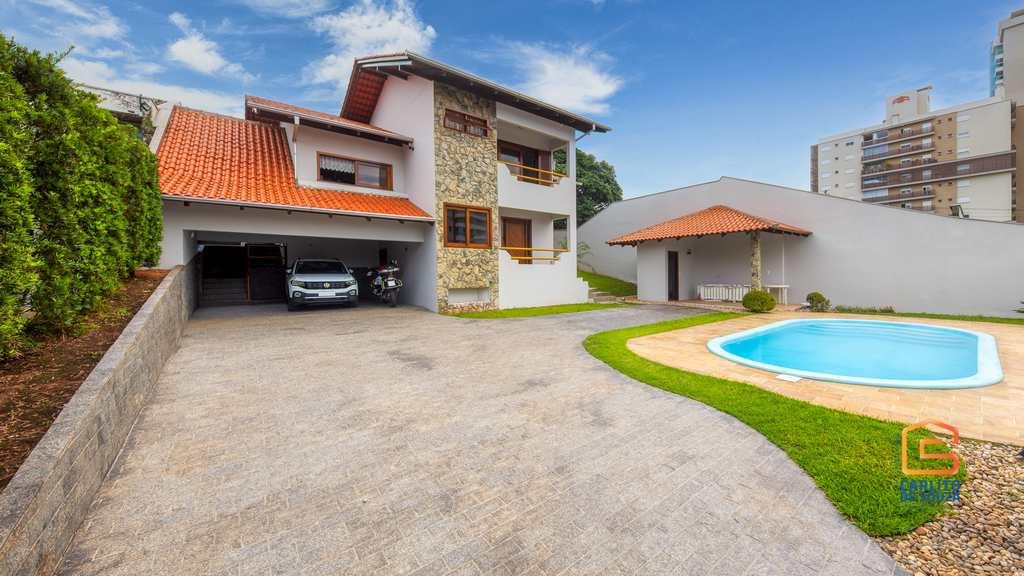 Casa em Blumenau, no bairro Itoupava Norte