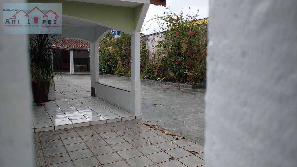 Casa em Mongaguá, bairro Pq Novo Imigrantes