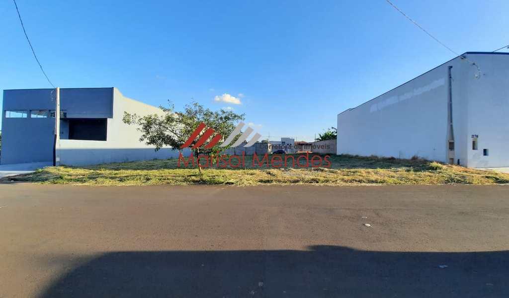 Terreno Comercial em Pirassununga, bairro Jardim Kanebo