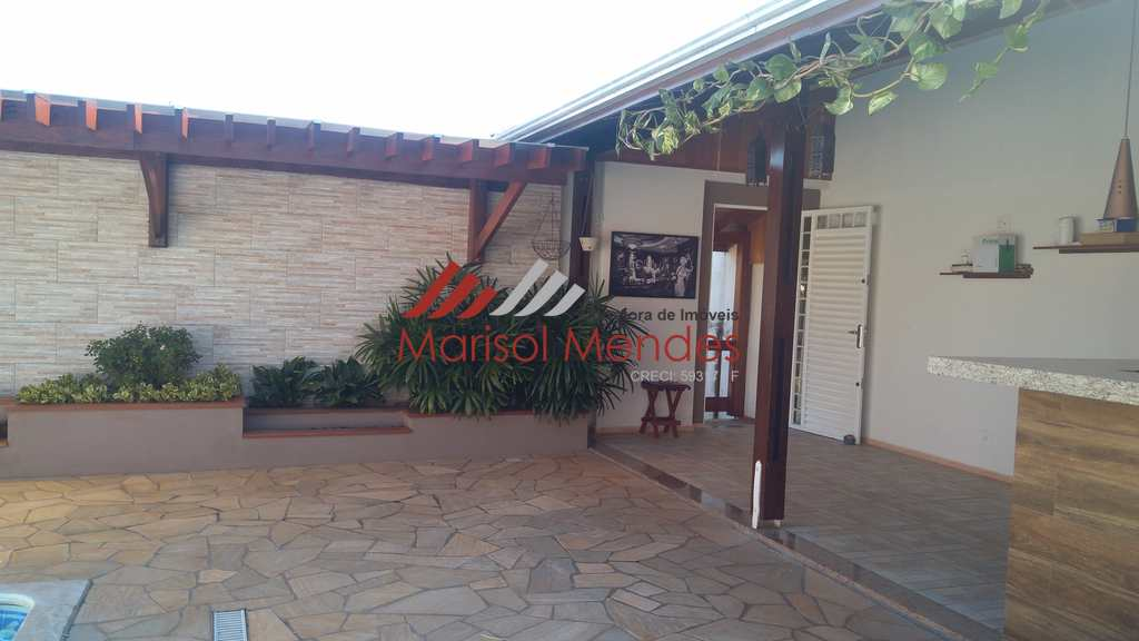 Casa em Pirassununga, no bairro Jardim Carlos Gomes