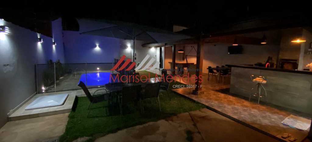 Casa em Pirassununga, no bairro Jardim Milenium