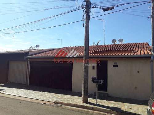 Casa, código 151 em Pirassununga, bairro Jardim das Laranjeiras