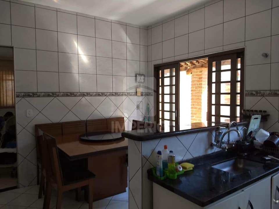 Casa em Jaú, no bairro Jardim Cila de Lúcio Bauab