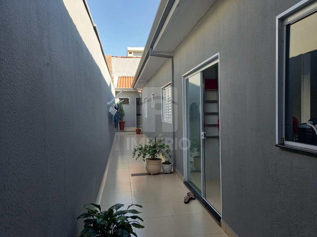 Casa em Jaú, no bairro Jardim Odete
