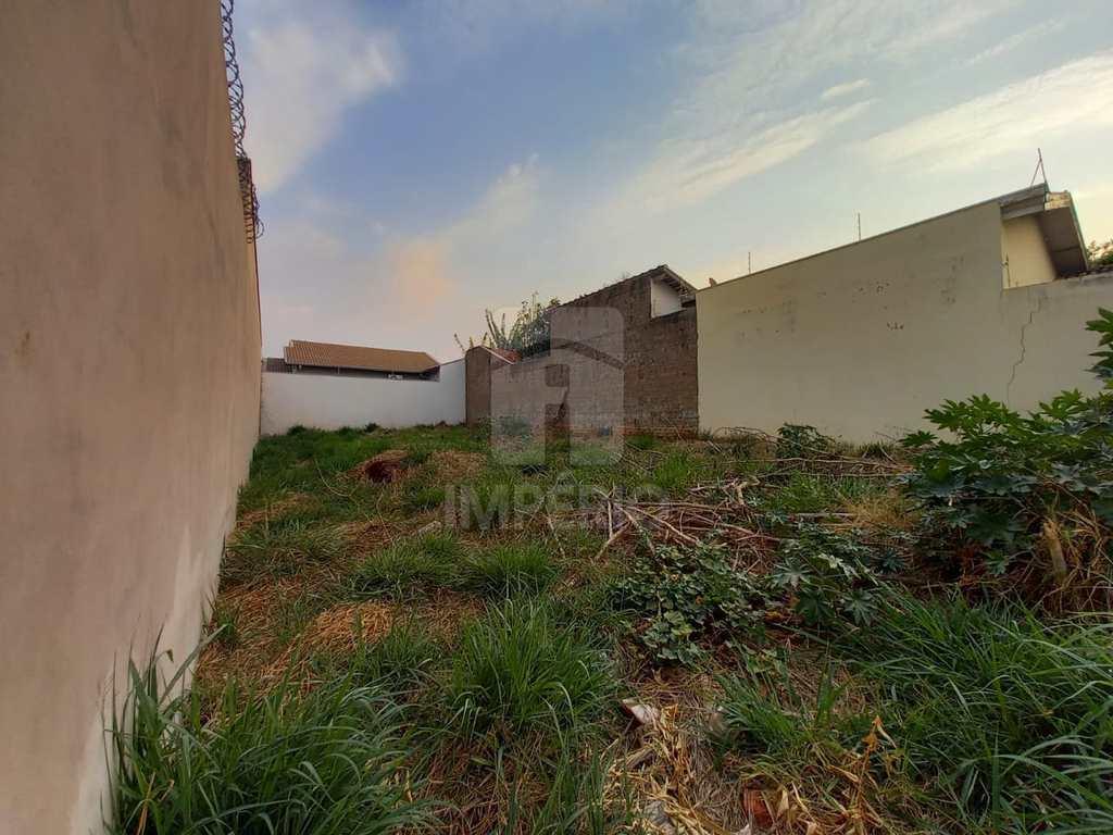 Terreno em Jaú, no bairro Jardim Parati