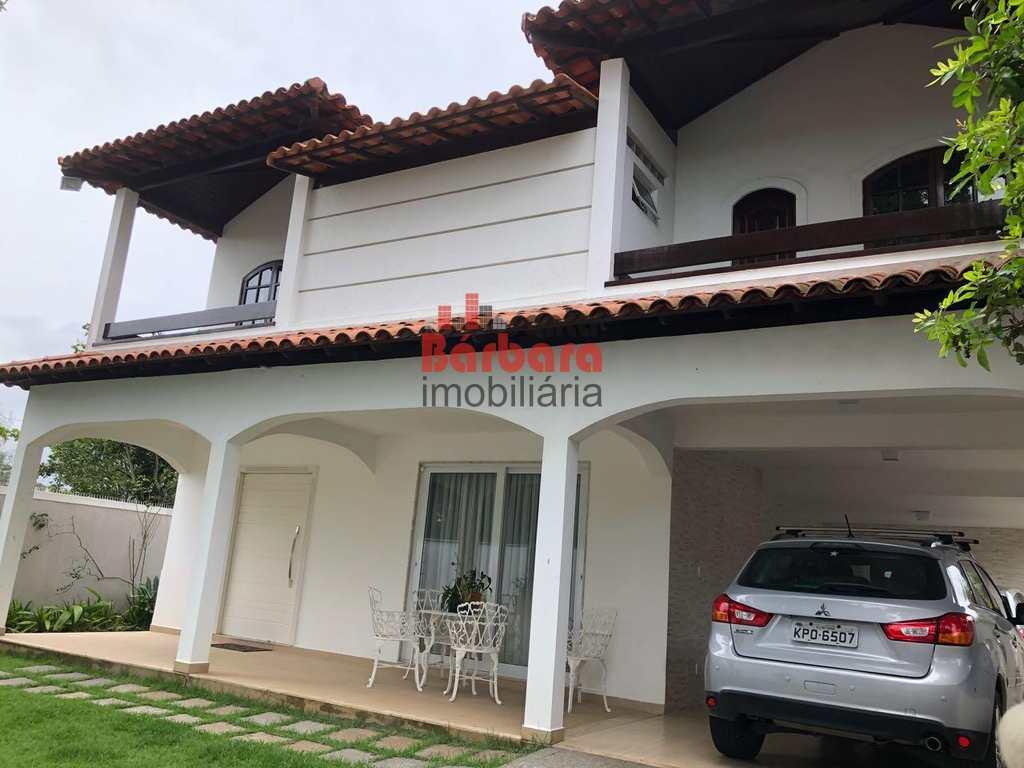 Casa em Niterói, no bairro Camboinhas