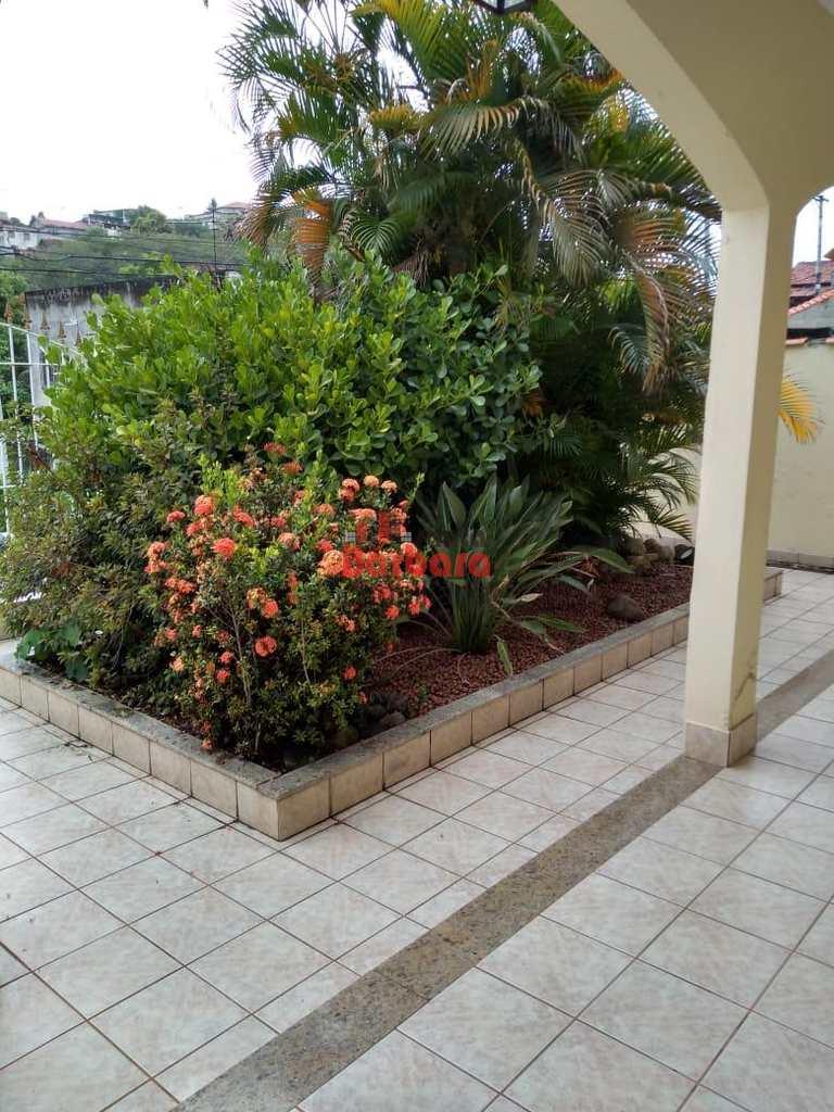 Casa em São Gonçalo, no bairro Camarão