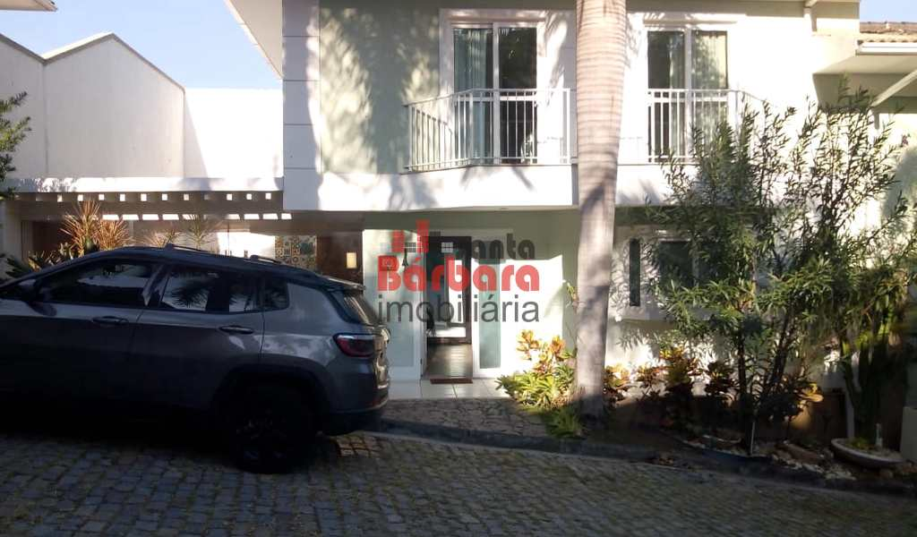 Casa de Condomínio em Niterói, bairro São Francisco