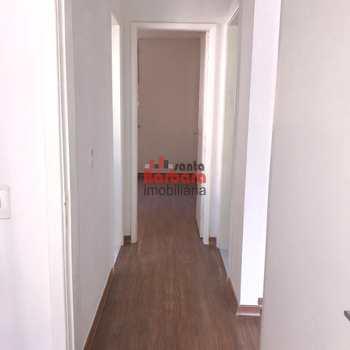 Apartamento em São Gonçalo, bairro Colubande