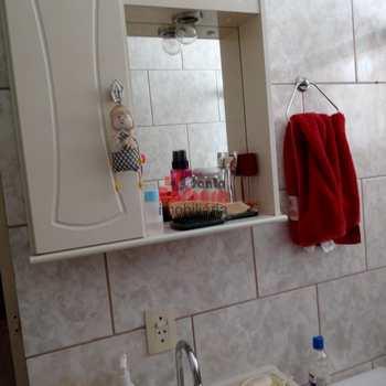 Apartamento em São Gonçalo, bairro Pita