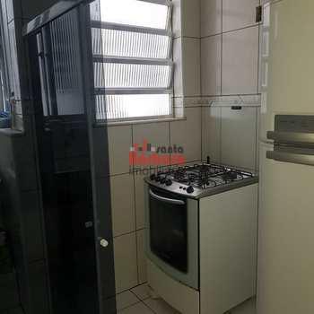 Apartamento em São Gonçalo, bairro Porto Velho