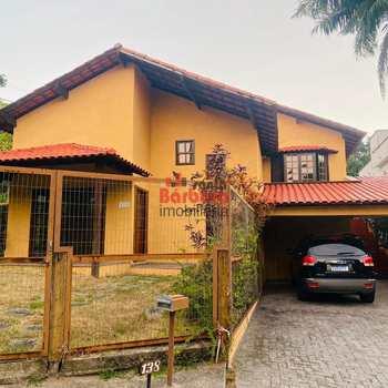 Casa em Niterói, bairro Sapê