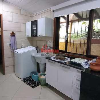 Casa em Niterói, bairro Maravista