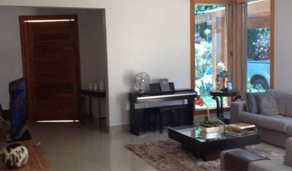 Casa em Governador Valadares, bairro Jother Perez