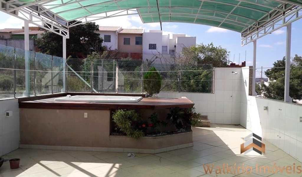 Casa em Governador Valadares, bairro Cidade Nova